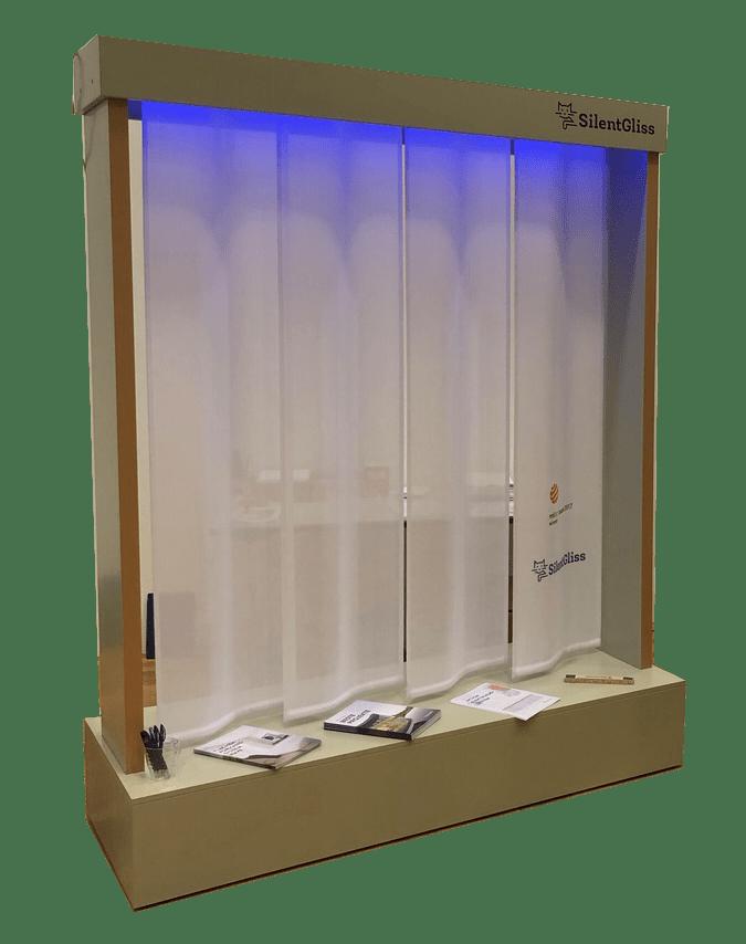 Silent Gliss – Beleuchtete Großpräsentation für Vorhangschienensysteme