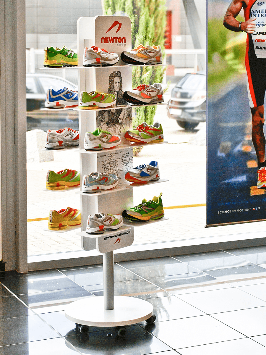 Newton Running – floor stand for sports shoes